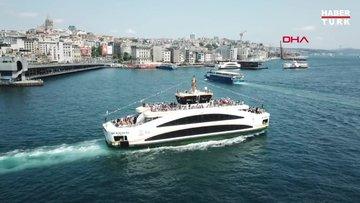 İstanbullular Eminönü'ne akın etti: Yoğunluk havadan görüntülendi