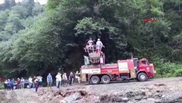 Selde kapanan yolda mahsur kalan 24 kişinin kurtarılma anı görüntüleri ortaya çıktı