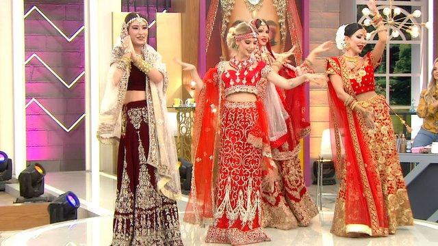 Modeller streslerini Hint dansı ile attılar