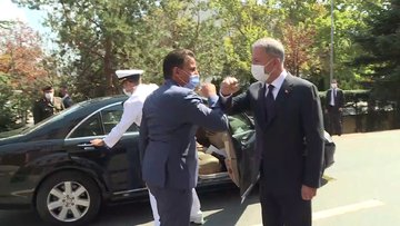 Milli Savunma Bakanı Akar, Libyalı mevkidaşı Namroush ile bir araya geldi