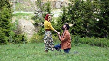 ''Benimle bu yaylada evlenir misin?''