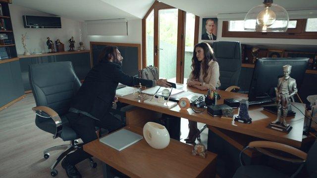 Füsun, Ali Rıza'nın baskın görüntülerini izliyor!