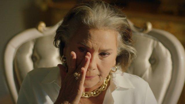 Emsal Adabeyli'nin gözyaşları...