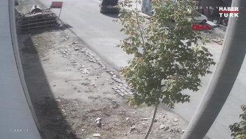 Çalıntı araçla kaçarken, Emniyet Müdürlüğü önünde beton bariyerlere çarptı