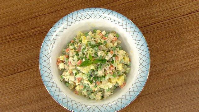 Gerçek Rus Salatası