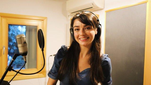 Halide'nin sürpriz şarkısının kamera arkası!