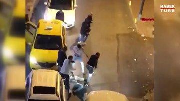 Fatih'te yol verme yüzünden çıkan kavga kamerada