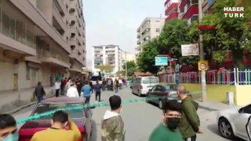 Rıza Bey Apartmanı'na yakın bir bina yan yattı; vatandaş kendini dışarı attı