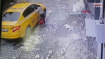 Sokakta oynayan 4 yaşındaki çocuk taksinin altında kaldı
