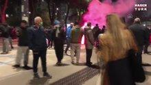 Napolili taraftarlar, Maradona'yı meşale ve tezahüratlarla andı