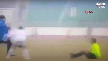 Özbekistan´da futbolcudan hakeme linç girişimi