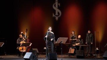 Türk Sanat Müziği yorumcusu Melihat Gülses, nostaljik şarkılarla bu akşam İş Sanat'a konuk oluyor