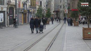 Taksim ve İstiklal Caddesi'nde turist yoğunluğu