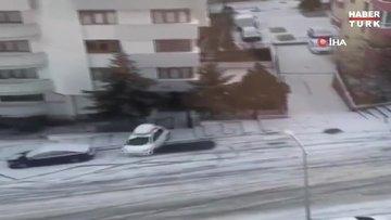 Başkent sokakları buz pistine döndü, sürücüler zor anlar yaşadı
