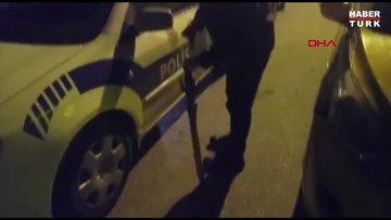 Alkollü müşteri taksi durağına kılıçla saldırdı!