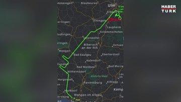 Almanya'da genç pilot gerçekleştirdiği uçuşla gökyüzüne dev şırınga resmi çizdi