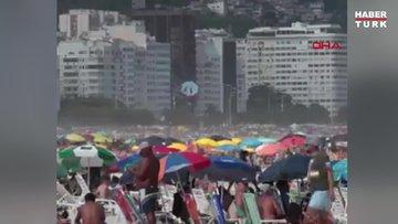 Brezilya'da koronavirüs tehdidine rağmen plajlar tıklım tıklım