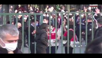 """""""Şiddetle, Boğaziçi Üniversitesi'nin kapısını kırdılar"""""""