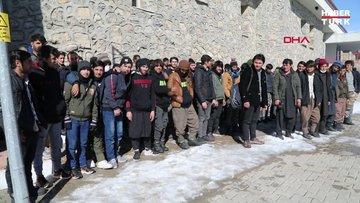 Başkale'de mağara, minibüs ve metruk evde 73 kaçak göçmen yakalandı