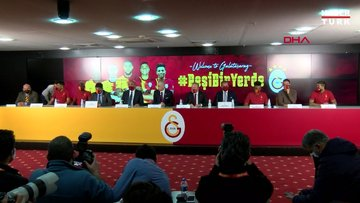 Galatasaray'da yeni transferler için imza töreni düzenlendi