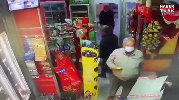 Markette, boğazına bıçak dayayan husumetlisinden müşteriler ile çalışanlar kurtardı