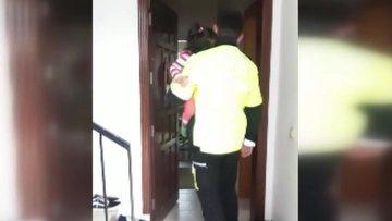 Polis, 2 yaşındaki kayıp çocuğu son anda kurtardı!