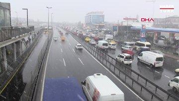 İstanbul Cevizlibağ'da kar yağışı başladı