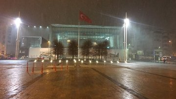 İstanbul'a sabah saatlerinde kar sürprizi