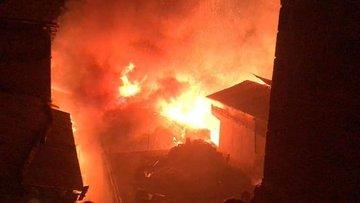 Artvin'e bağlı Ortaköy'de büyük yangın!