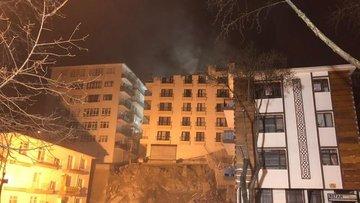 Ankara'da Açelya apartmanının çatısı çöktü: Yıkım çalışmaları sabah devam edecek