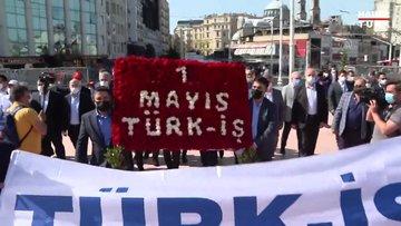 TÜRK-İŞ temsilcileri, Taksim'deki Cumhuriyet Anıtı'na çelenk bıraktı