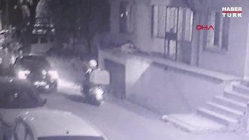 Ümraniye'de motokuryeyi yumruklayan otomobil sürücüsü kamerada