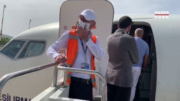 Mütevazi Bakan: Kültür ve Turizm Bakanı uçağa böyle bindi