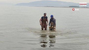 İznik Gölü'nde ağlara 2 bin yıllık kabartmalı yazıt takıldı