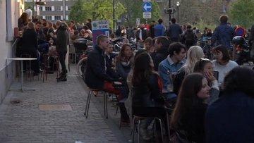 Belçika'da normalleşme kutlaması!