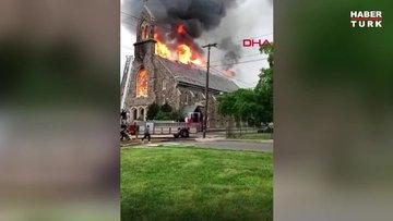 ABD'de tarihi Katolik kilisesinde yangın