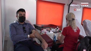 Kuşadası'nda vatandaşlar kan bağışı çağrılarına kayıtsız kalmadı