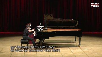 CRR'de İki Piyanonun Dansı