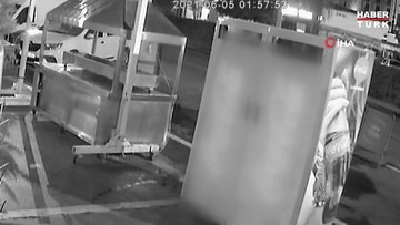 Kebapçıya kalaşnikoflu saldırı kamerada