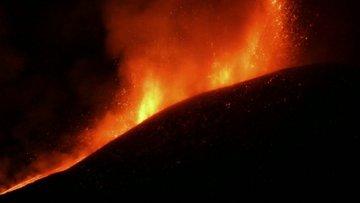 Etna Yanardağı yeniden faaliyete geçti!