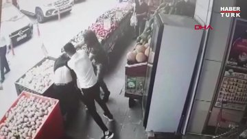 Manav sahibini 'soğan' ile böyle dövdüler
