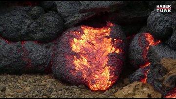 İzlanda'da yanardağ patlaması: Lav topları oluştu!