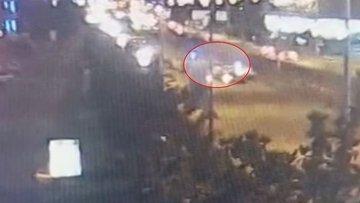 Bursa'da aşırı hızlı otomobil, polis noktasına daldı: 2'si polis 4 yaralı