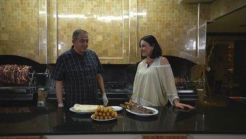 Erzurum'un meşhur lezzeti cağ kebabı