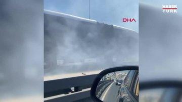 Metrobüsten dumanlar yükselince yolcular tahliye edildi
