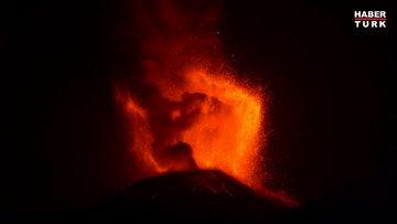 Etna lavlarıyla geceyi aydınlattı!