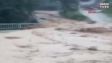 Rize'de şiddetli yağış etkili oluyor!