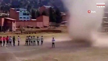 """Bolivya'da maç öncesi """"şeytan hortumu"""" paniği"""