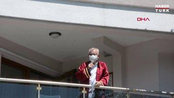 Koronavirüse yakalanan Belediye Başkanı evin balkonundan nikah kıydı