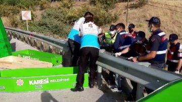 Katliam gibi kaza! Balıkesir'deki otobüs kazasında 14 kişi hayatını kaybetti